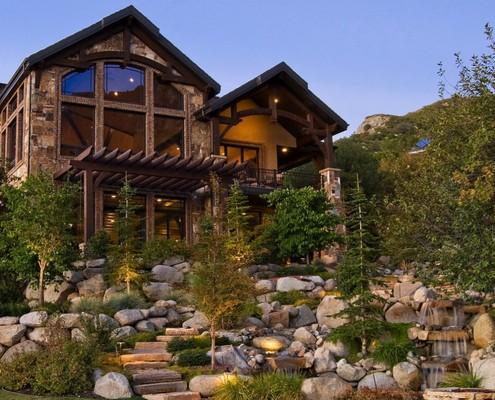 Альпийская горка сделает ландшафт вашего участка более оригинальным
