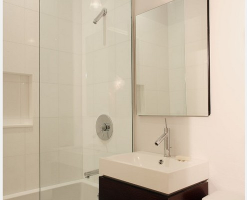 Зеркало в стиле минимализма