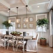 Замечательная особенность стиля прованс – это обязательное присутствие в комнатах растений, цветов