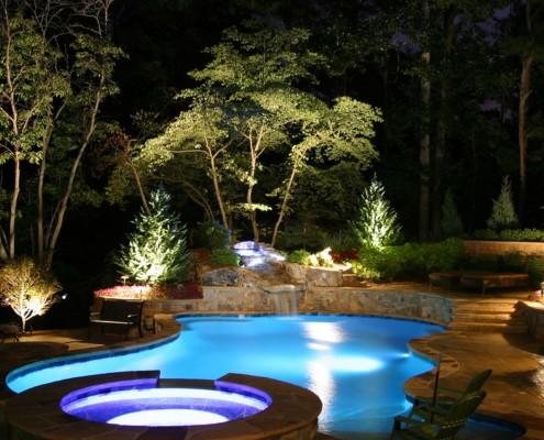 К освещению водоема следует подойти творчески