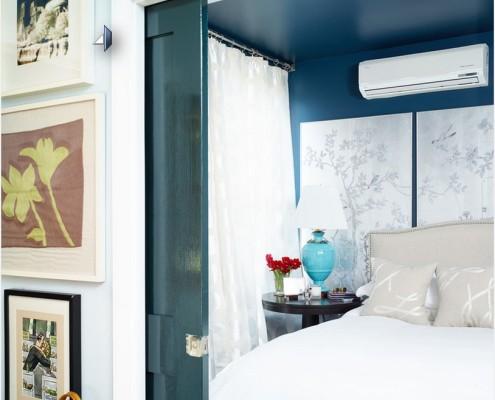 Раздвижная дверь в спальне