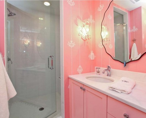 Розовая ванная комната