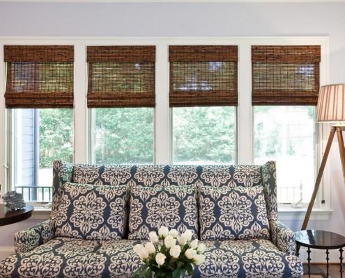 Рулонные шторы превосходно смотрятся в любой комнате