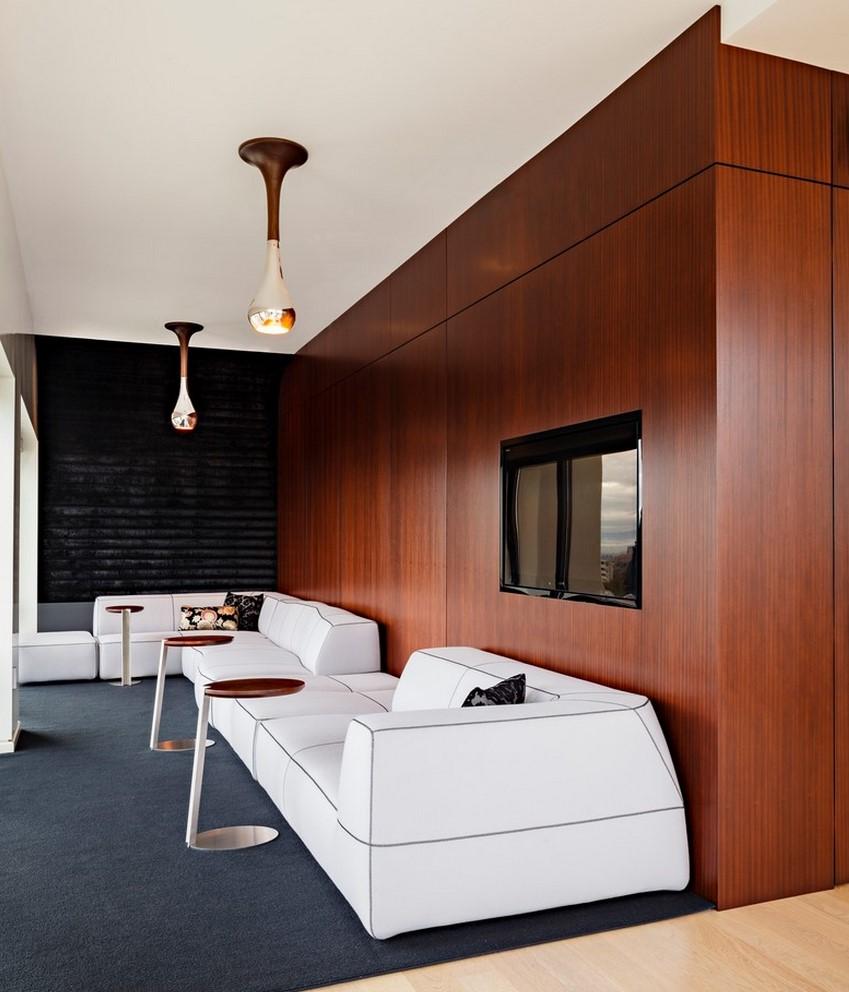 Светлый кожаный диван имеет свои преимущества