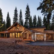 Экстерьер деревянного дома в стиле кантри