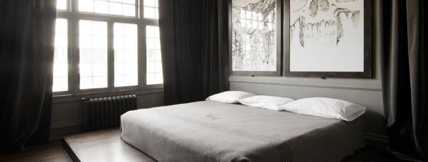Спальня с мистическим интерьером