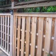 Забор из необработанных досок