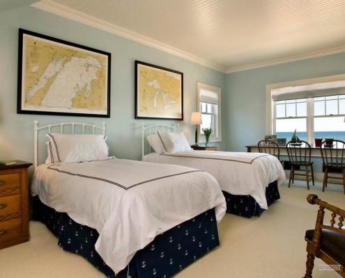Две кровати рядом
