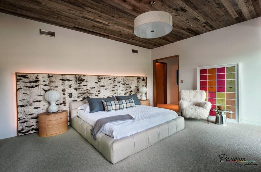 Декоративные панели у изголовья кровати