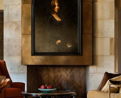 Картина над камином в гостиной