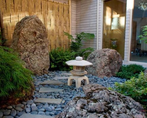 Каменный светильник с крышкой