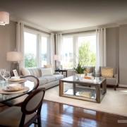 Белые шторы в интерьере гостиной - красивый дизайн
