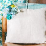 Цветочный декор на подушке — ручная работа для души