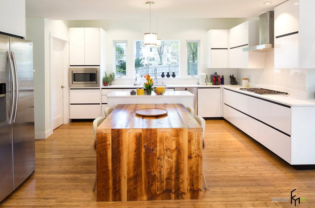 П-образный деревянный обеденный стол