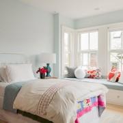 Бледный голубой в комнате для девочки