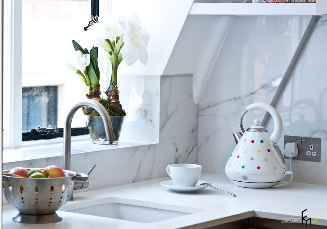 Миниатюрная кухня в квартире-студии