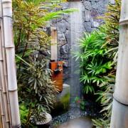 Бамбуковые стены летнего душа