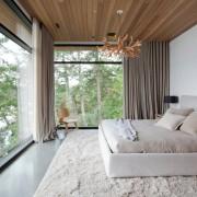 Потолок в цвете натурального дерева