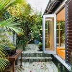 Уютный домик с современной верандой