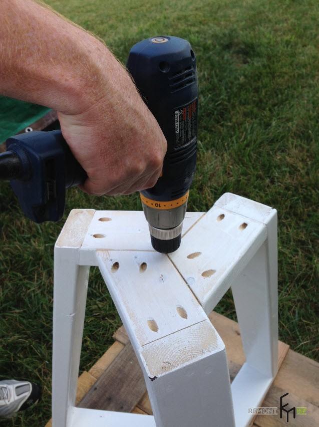 Первый шаг шестого этапа изготовления стола