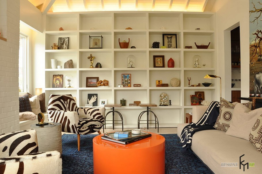 Оранжевый цилиндрический журнальный столик