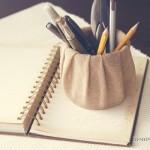 Необычные подставки для карандашей и ручек своими руками