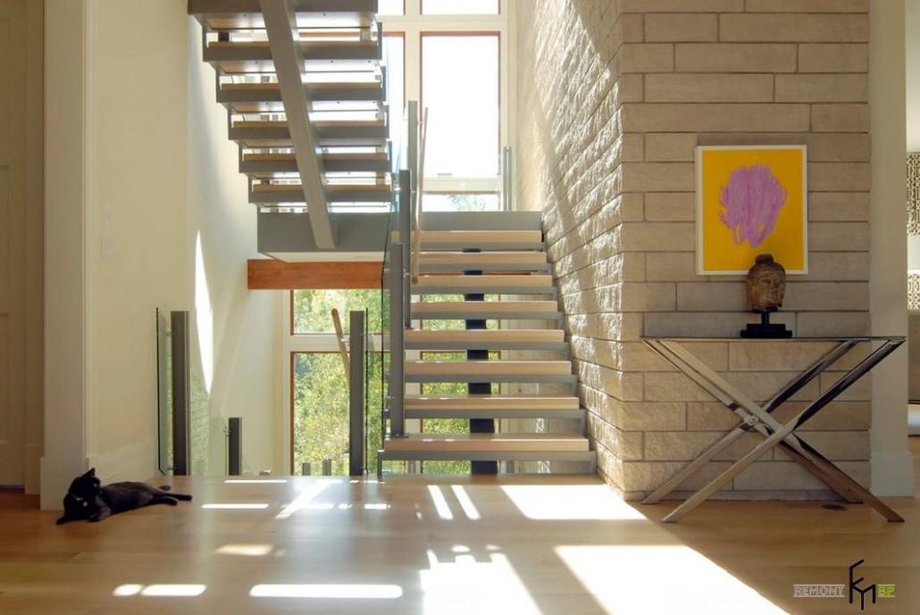 Вид лестницы без подступенек