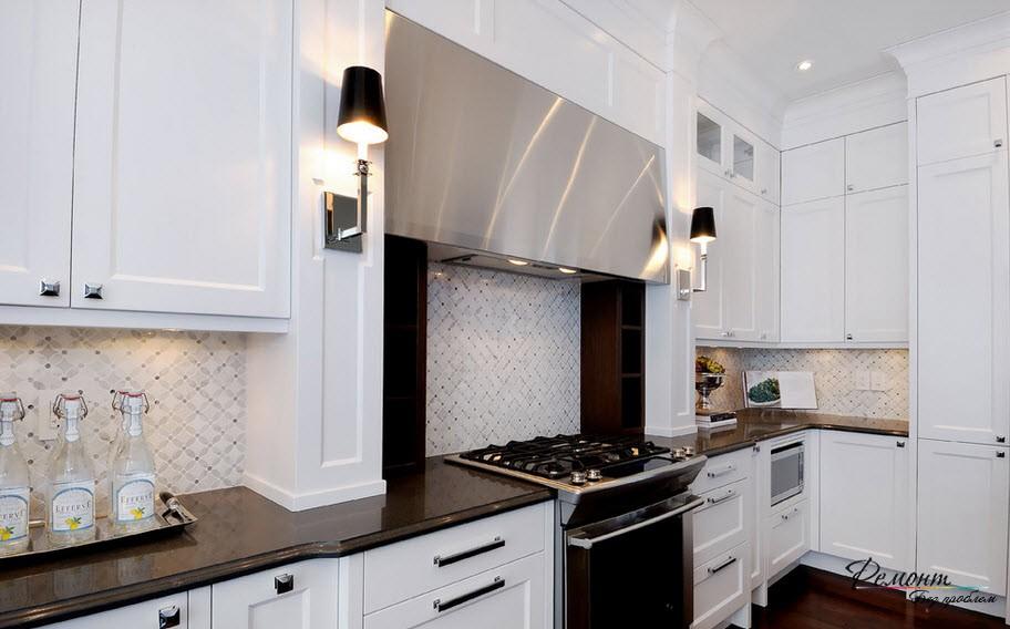 Настенные бра на кухне
