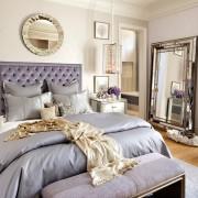 Кровать в фиолетовых тонах