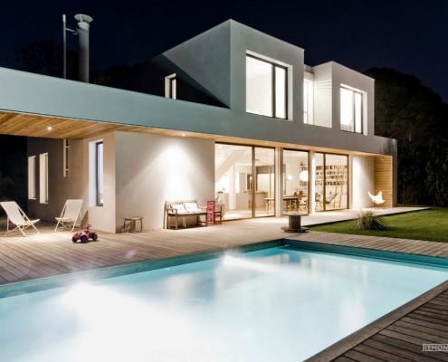 Бассейн – эстетический и функциональный компонент загородного жилья