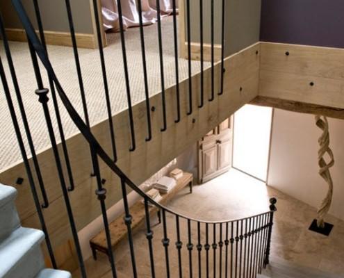 Кованая лестница в итальянском доме