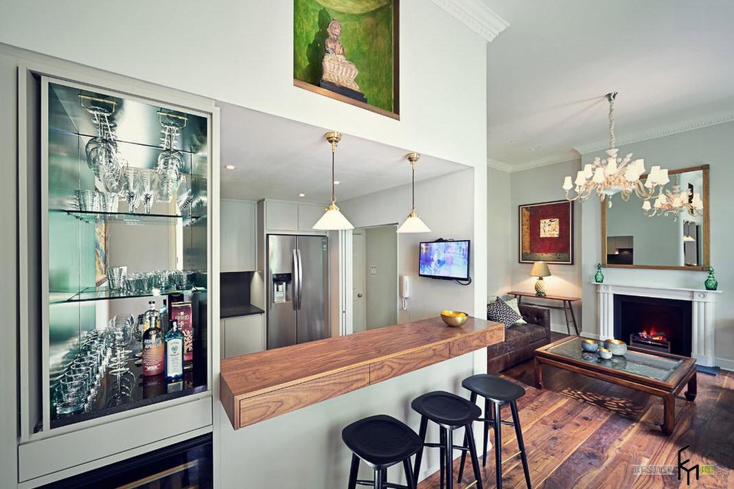 Загородный дом с баром