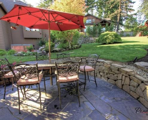 Патио на дачном участке: выбор места, формы, материалов на фото
