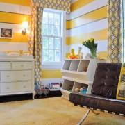 Жёлтые шторы в детской