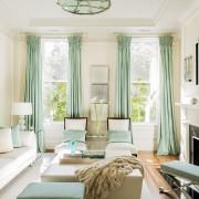 Ментоловые шторы в гостиной