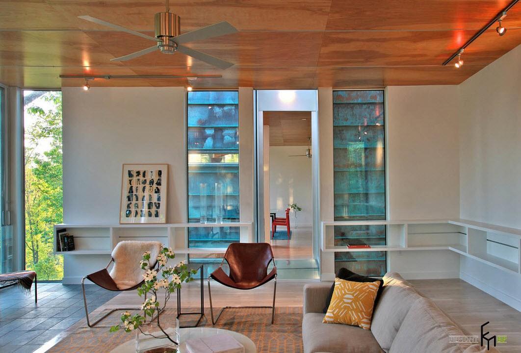 Лакированный потолок из деревянных плит