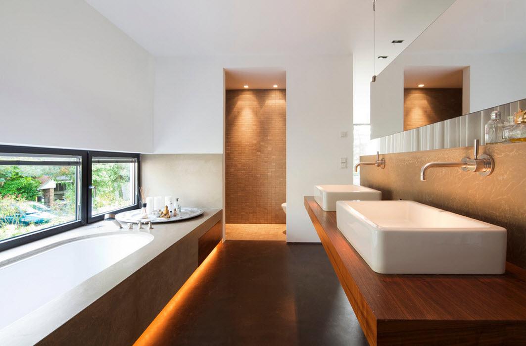 Коричневый пол в ванной