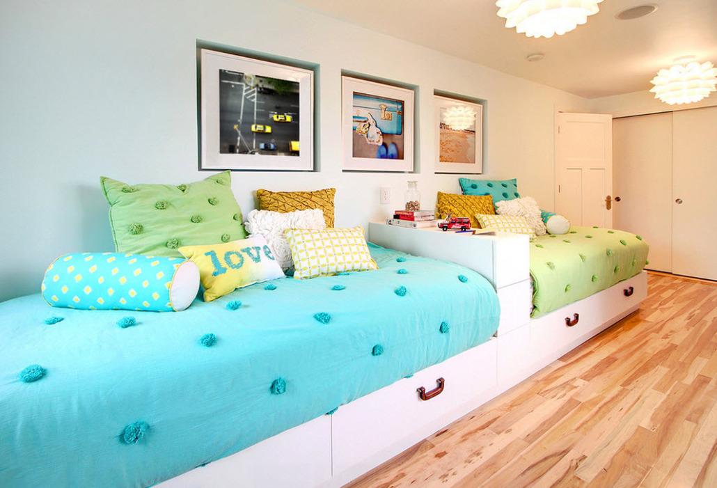 Дизайны детских комнат с двумя кроватями фото
