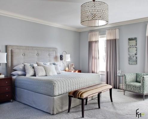 Цилиндрический абажур в спальне