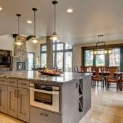 Кухня и столовая в кантри-стиле