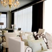 Классический дизайн интерьера гостиной-студии