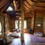 Внутреннее оформление домика на дереве