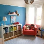 Голубая стена в детской