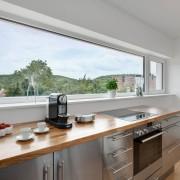 Панорамное окно на кухне