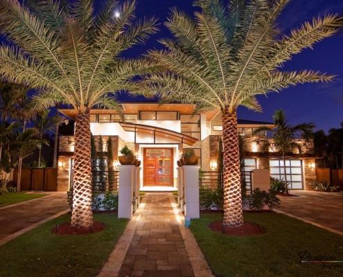 Две пальмы у дома
