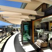 Современные большие балконы