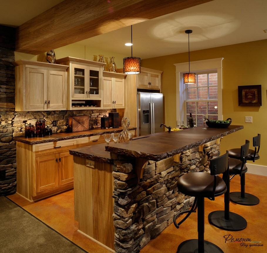 Частичная облицовка кухни камнем