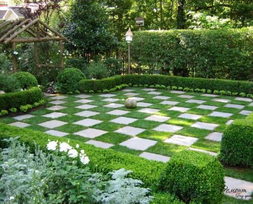 Шахматный интерьер газона