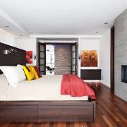 Сочетание матовых и глянцевых поверхностей мебели