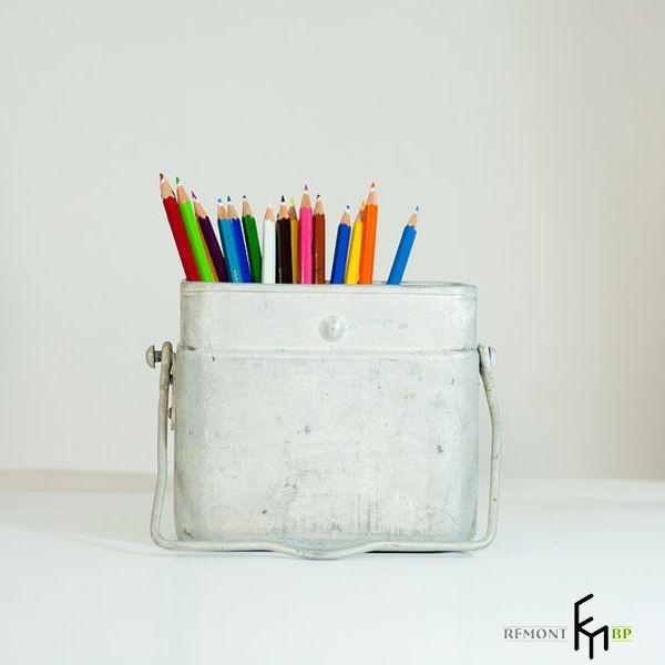 Белая подставка под карандаши